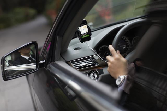 专车告别疯狂补贴 司机月收入降至1万