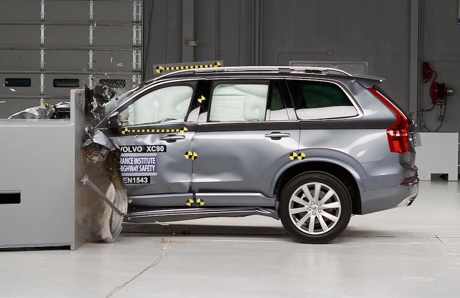 用数据说话:汽车是否越重越安全?