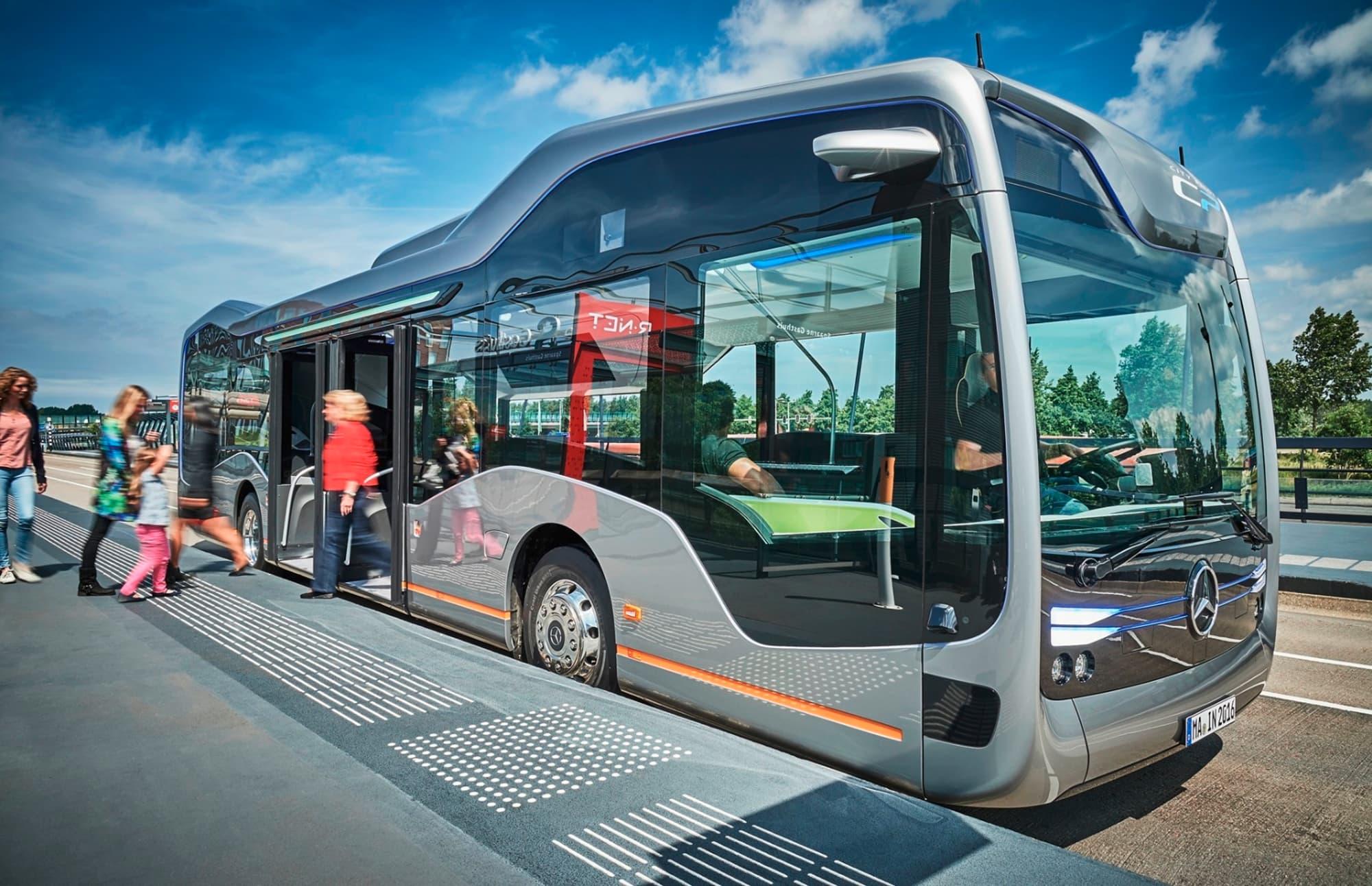 """奔驰""""未来巴士"""":不仅有超豪华内饰,更能自动驾驶"""