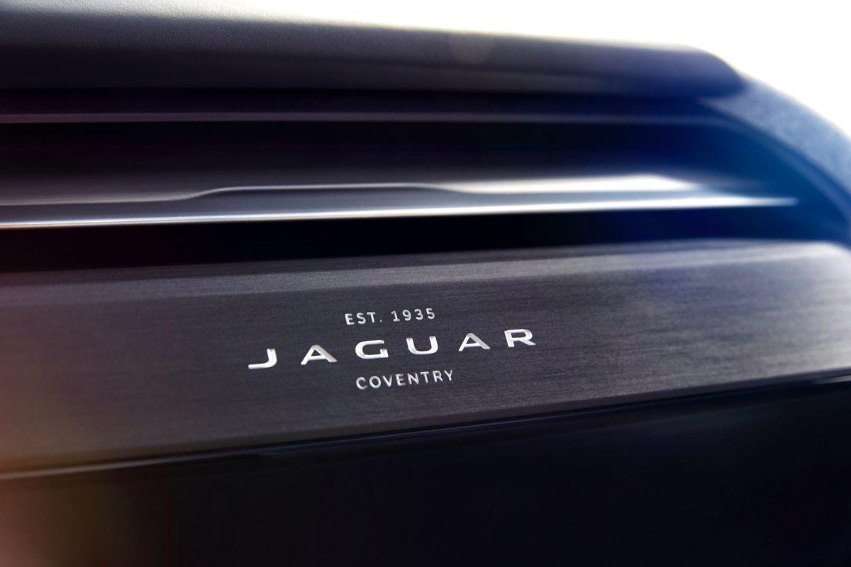 JAGUAR_I-PACE_CONCEPT_Studio_Interior_Detail_05sm.0
