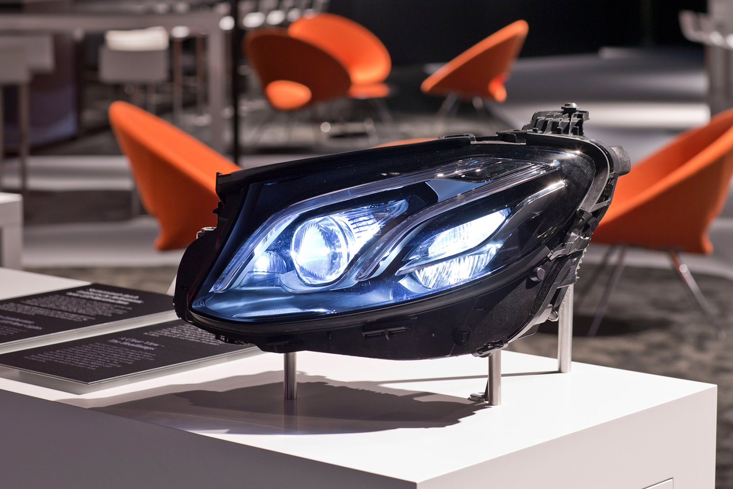 2017-Mercedes-Benz-E-Class-TechDay-Design-Insight-headlight