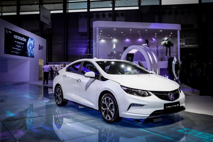 别克首款增程型混动车VELITE 5登陆2017亚洲消费电子展
