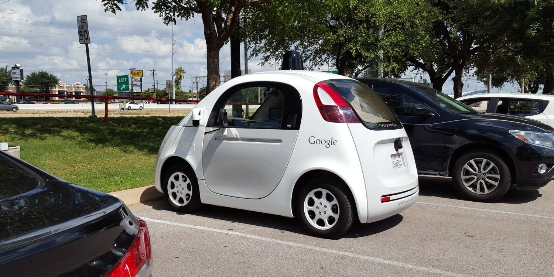那辆呆萌的无人驾驶原型车退役了,谷歌「造车」终成历史?