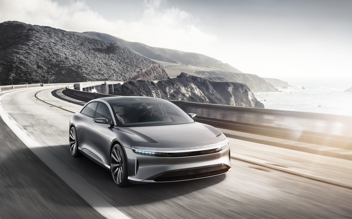 lucid-air-driving