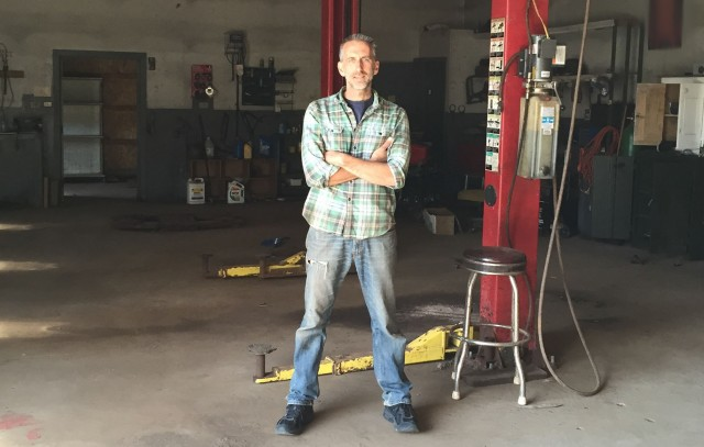 robert-bollinger-on-day-one-of-bollinger-motors-in-empty-garage-hobart-new-york-late-2015_100615065_m