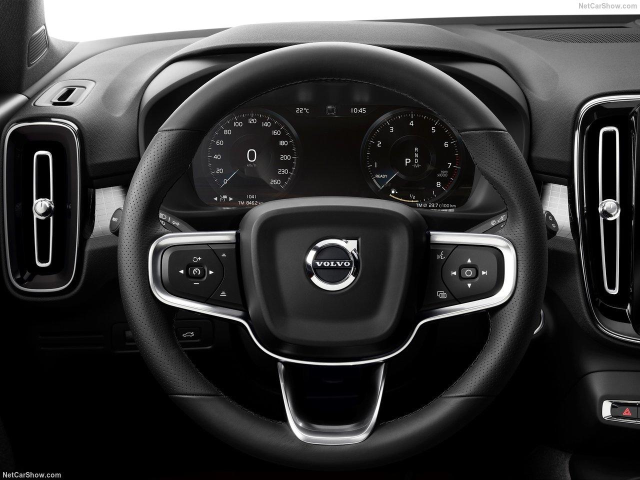 Volvo-XC40-2018-1280-22