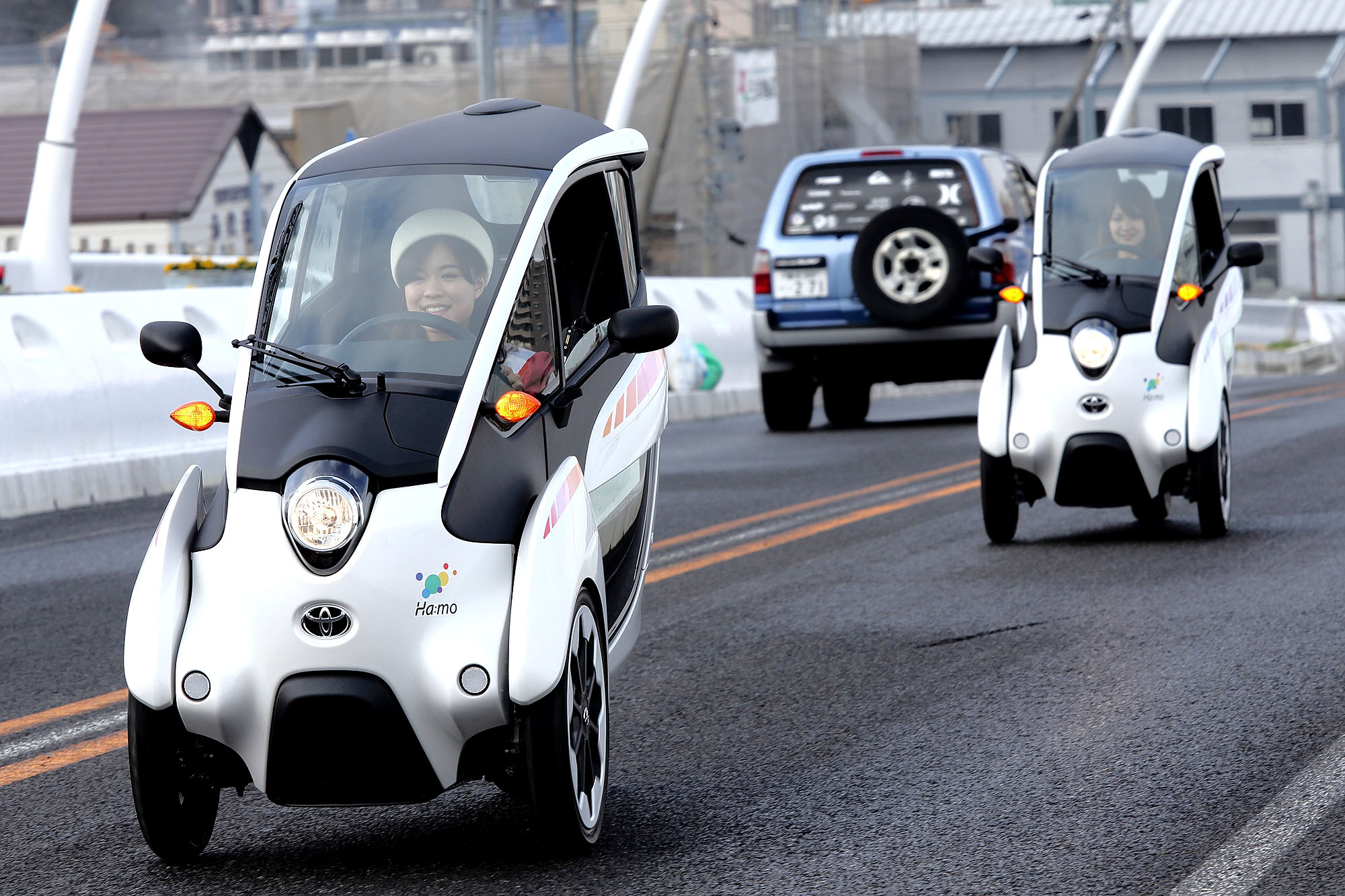 Toyota-i-road-tracking