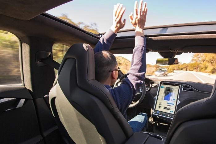 Autonomous-Testing-2016-Tesla-Model-S-self-driving-700x467-700x467
