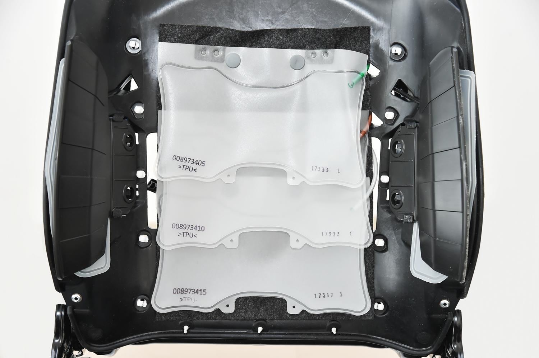 6. 6向调节气动腰托系统 背部中间区域采用全新三气袋形式