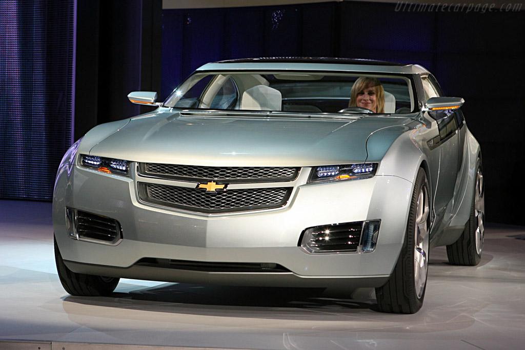 Chevrolet-Volt-Concept-23507