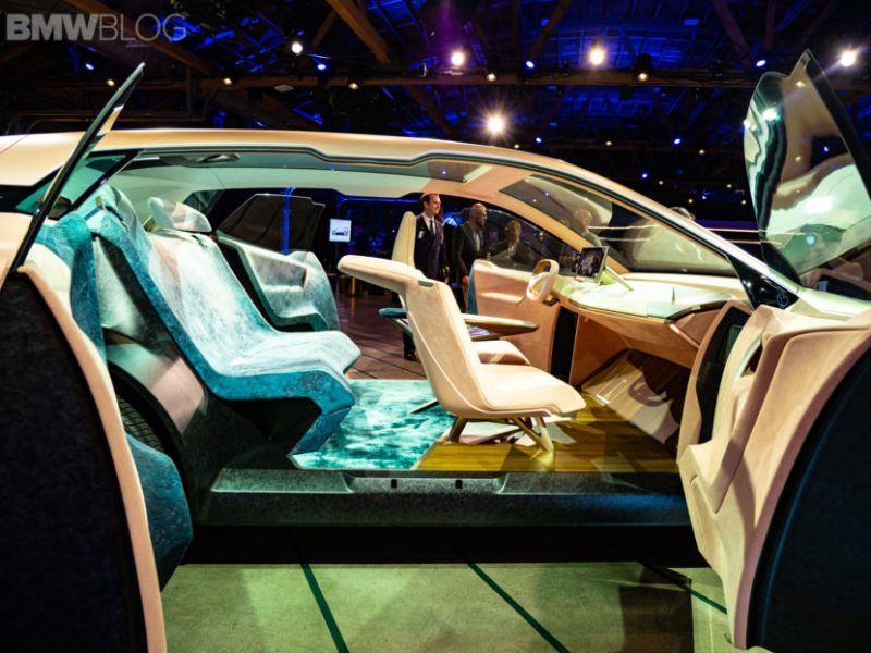 BMW-iNext-vision-world-premiere-25-830x623
