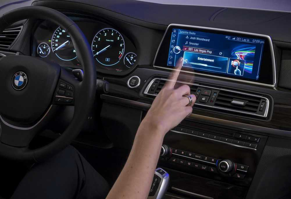 BMW-to-Show-How-Gestures-will-Control-the-Cars-of-the-Future
