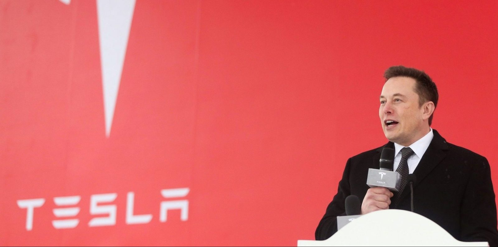 https://electrek.co/wp-content/uploads/sites/3/2019/01/Tesla-Gigafctory-3-breaking-ground-e1546870180291.jpg?quality=82&strip=all&w=1600