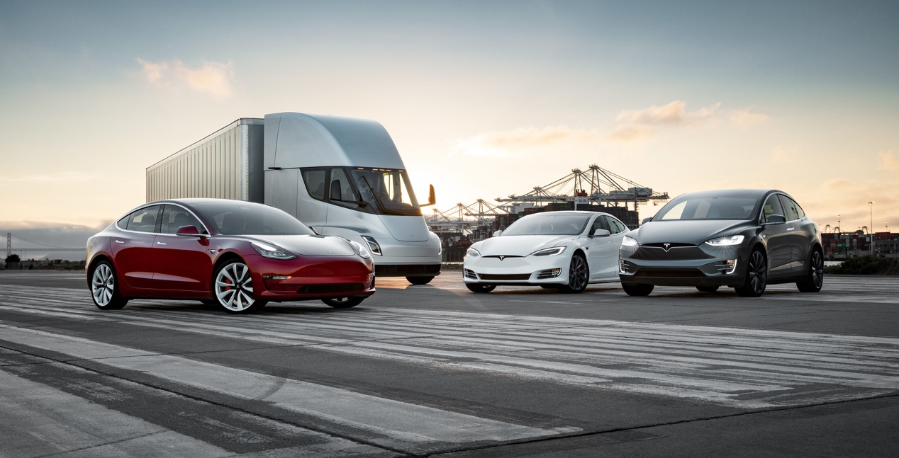https://www.teslarati.com/wp-content/uploads/2018/08/Tesla-S3X-Semi-fleet-press-photo-e1548882286108.jpg