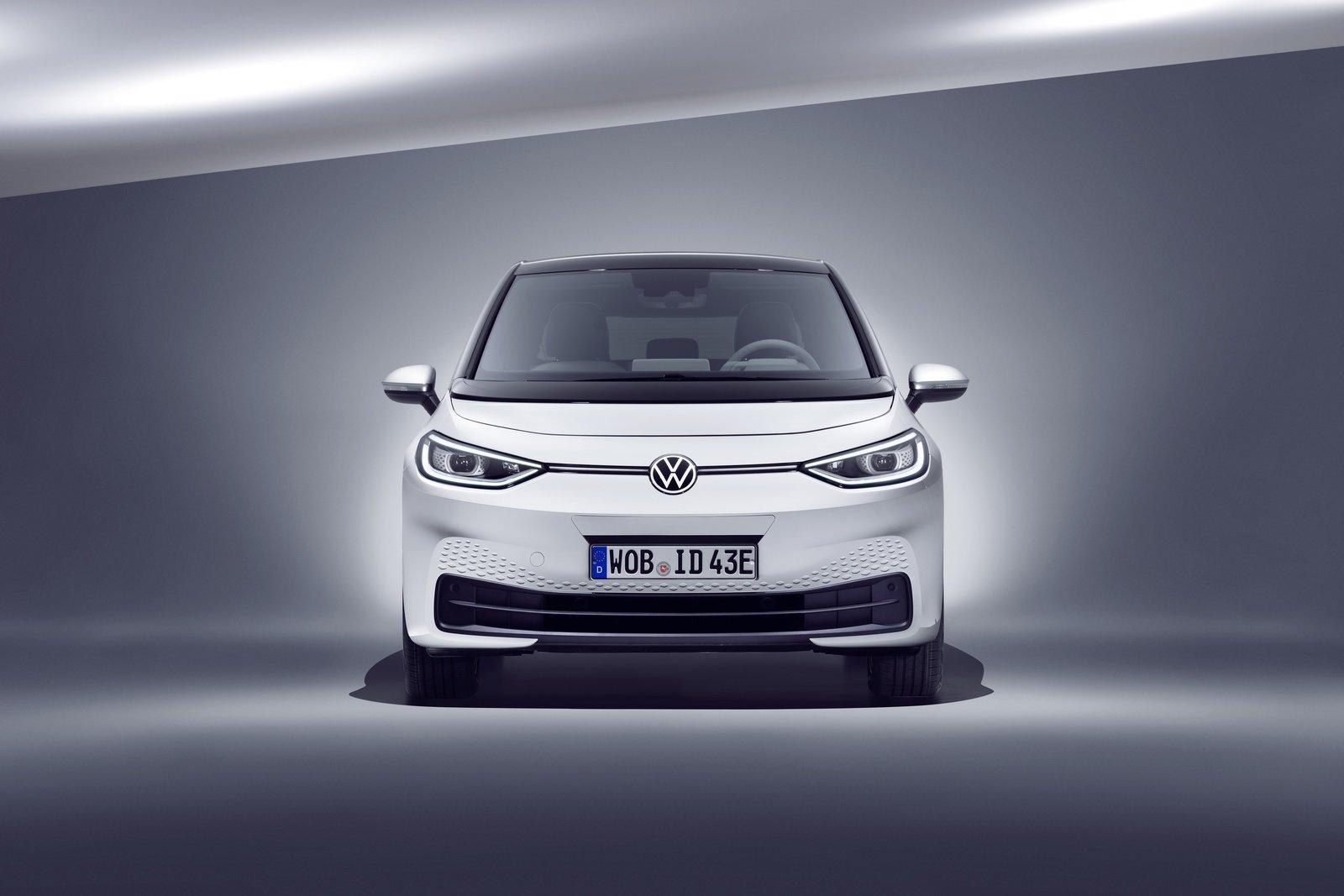 2020-volkswagen-id-3-13_1600x0w