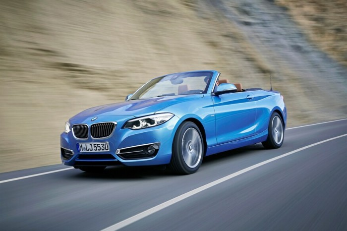 2018-BMW-2-Series-Convertible-front-three-quarter-in-motion-02