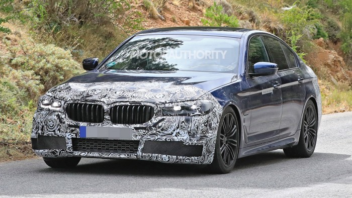 2021-bmw-5-series-facelift-spy-shots--photo-credit-s-baldauf-sb-medien_100711182