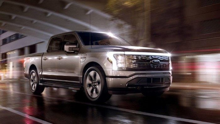 2022-Ford-F-150-Lightning-all-electric-revealed-m