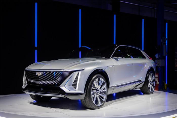 奥特能来了,即刻智行。中国市场首款奥特能产品凯迪拉克LYRIQ智能纯电豪华SUV计划于明年上市