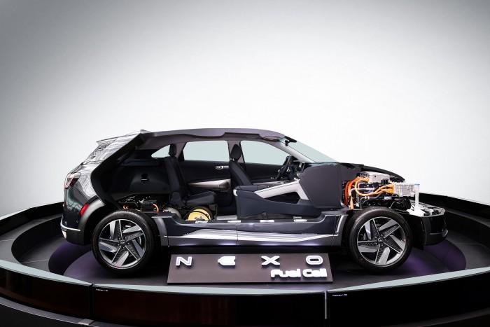 现代汽车氢燃料驱动原理切割车 3